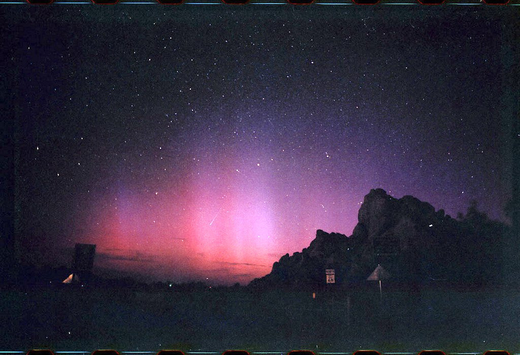 good-morning-america:  perfectmadness:echo mountain aurora. dallas drum scan remix 1 (by chrisgrohusko)