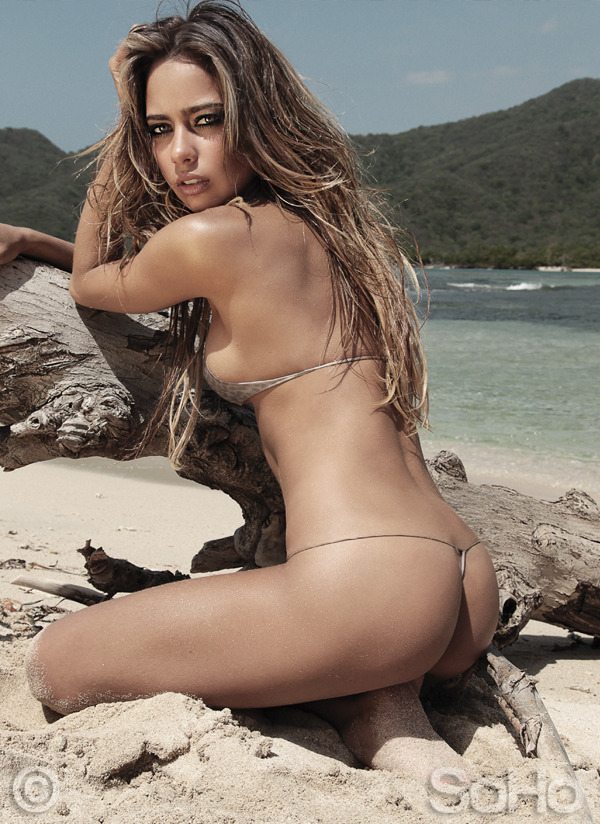 make-her-famous:  Catalina Otalvaro Sex on the beach….