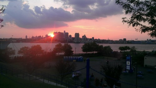 Camden, NJ - Sunset shortly before the Deftones took the stage.