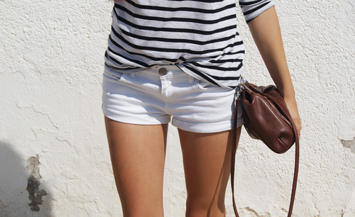 Striped tee & white shorts. Simple, yet perfect combo.