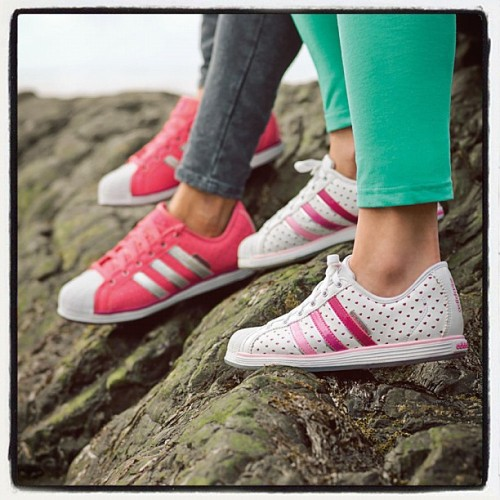 adidasneolabel:  Show some <3 for pink! #adidasneo #sneakerporn #sneakers #adidas (Taken with Instagram)