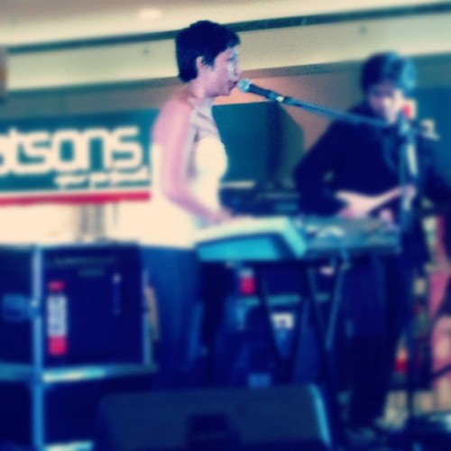 Random mall sighting of the day. #udd #philmusic  (Taken with Instagram)