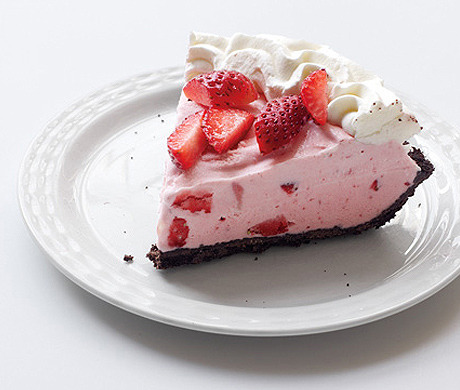 To the rescue: Strawberry-Chocolate Freezer Pie (SELF, August 2012)