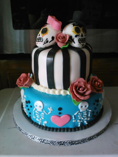 Day of the Dead engagement cake, by yours truly.