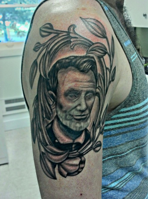 Abraham is my first big finished piece, its my 5th tattoo.it was done by Chris Winslow.in and around Asheville, NC (rep it rep it)its about 5 minutes old in this picture.:)