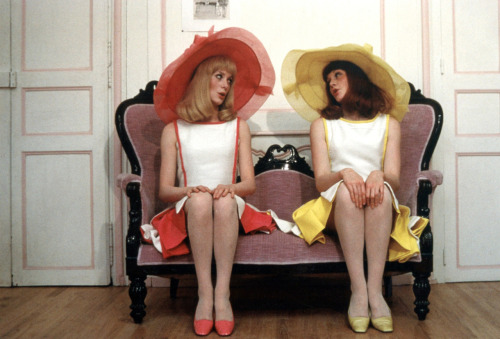 Catherine Deneuve and Francoise Dorleac in Les Demoiselles de Rochefort, 1967.