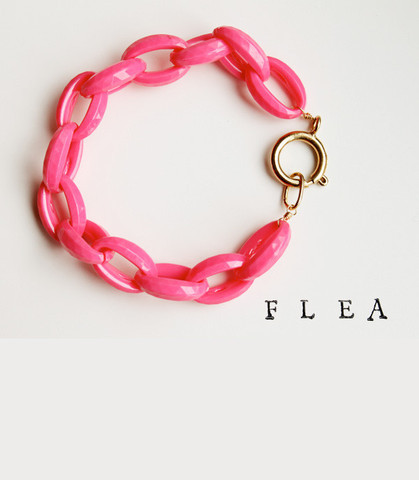 (via Jess LC - FLEA Flamingo Bracelet)