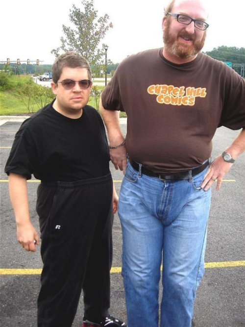 ifc:  laughspin:  Also, I just love this picture of Patton Oswalt and Brian Posehn.  One of my favorites.       (via TumbleOn)
