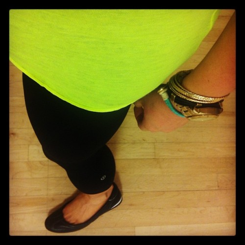 Gym #OOTD #neon #lululemon #cropped #fashiondairies  #outfit #workout #style #ighub #iphonesia #iphoneonly  (Taken with Instagram at Equinox)