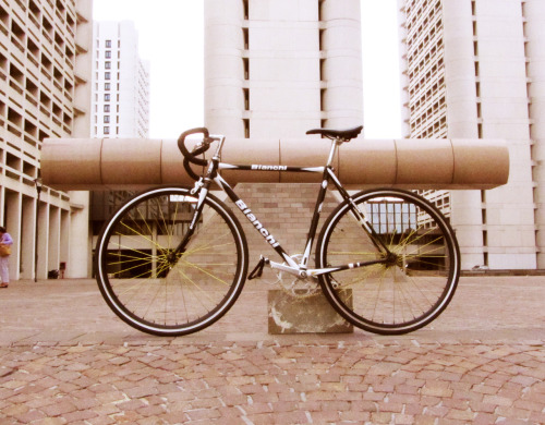 fixedgeargirls:  Andre Rain's Bianchi FixedBike  hope you'll enjoy my creation fully created and designed by me:  andrerain.tumblr.com