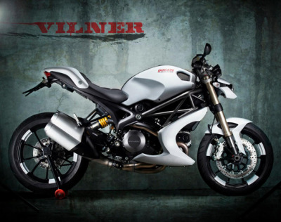 Another of the Vilner Monster 1100 evo custom.