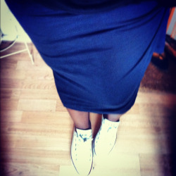 As today is Friday I thought I'd wear my Converse to work (Friday is a dress down day for me).   I'm actually starting to love them more and more as they get a bit more scuffed up and dirty :) I wore these with a maxi pencil skirt, plain tee and a blazer. Smart Casj!!  I'm glad I went for Converse in the end, because I did have sandals on to begin with this morning and when I got out the house I realised it wasn't that hot!  Really want another pair of Converse. Any suggestions?…… x