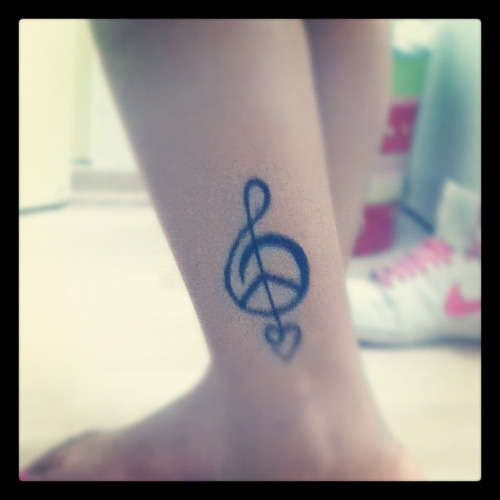 Just draw this over my leg. Loving' it (: