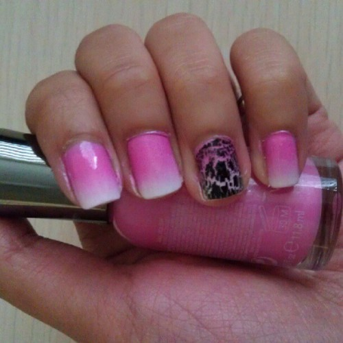 Can't get enough of the #ombre/#gradient #nailart:) #pink #SallyHansen #Avon #crackle #sinfulcolors #white #wetnwild #clear  (Taken with Instagram)