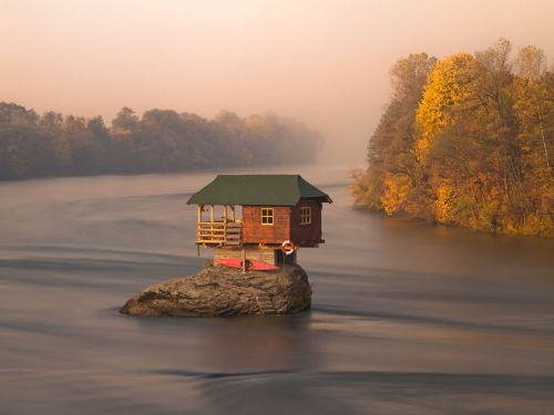 nationalgeographicmagazine:  River House, Serbia Photograph by Irene Becker, My ShotA house in the middle of the Drina River near the town of Bajina Basta, Serbia Download Wallpaper (1600 x 1200 pixels)