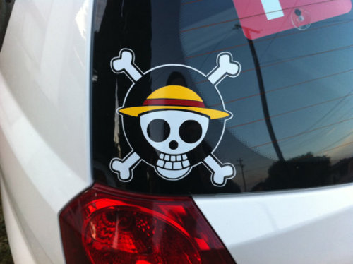 vinyledgedesigns:  (via One Piece Vinyl Decal Straw Hat Jolly Roger by vinyledgedesigns)   I need this.