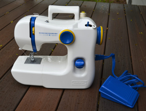 ikat bag: IKEA's New Sewing Machine A review of the new (to me) IKEA sewing machine! I don't think I'd want to use it (I love my Brother like it's my brother), but it looks like a decent one for beginners.