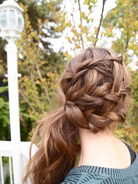 thefashionkey:  Braided hair brought to the side. Follow for Fashion!!