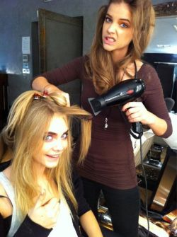 Models helping models—Barbara Palvin plays hairdresser to Cara Delevingne