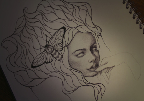 whatislisa:  This girl has a moth in her hair, and this is a work in progress.