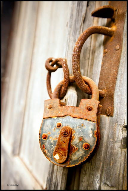 librarybear:  Lock by enjoy cyprus on Flickr.