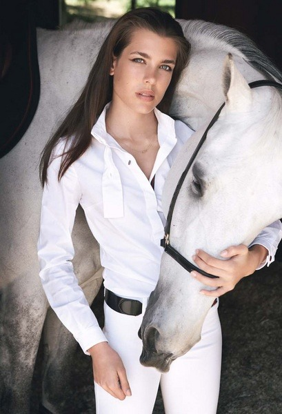 so-omnifarious:  Charlotte Casiraghi - Equestrian chic
