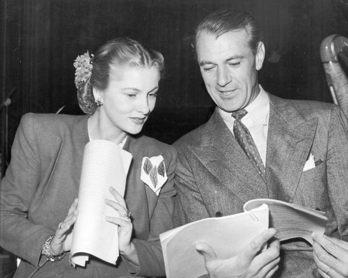 coop-appreciation:  Joan Fontaine and Gary Cooper during their radio appearance of A Farewell to Arms