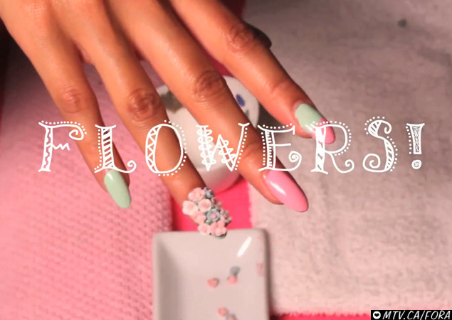 A little closeup of @nicolemtv 's nails on the @MTV_FORA blog !!