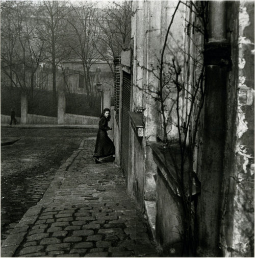willy ronis, paris, 1948 finally a high-res of this photo. posted by/ thanks to adanvc