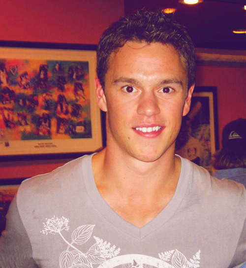 25/50 pictures of Jonathan Toews.