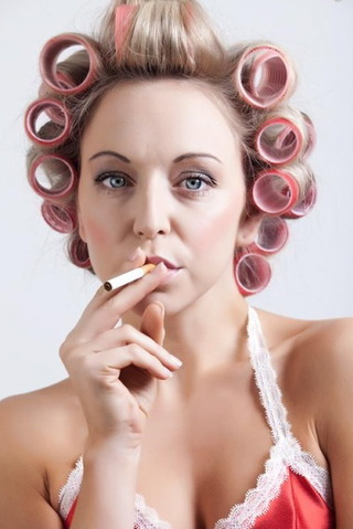 sissyperm:  smoking in curlers   Found on TumTum ♻