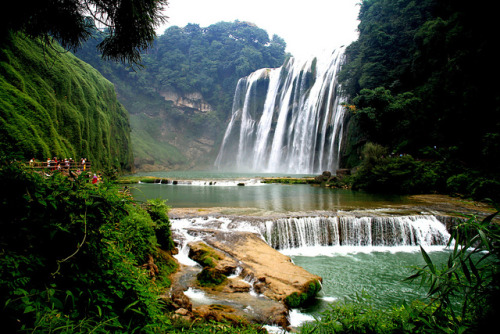 vacilandoelmundo:  Huanggoushu Waterfall, Anshun, China