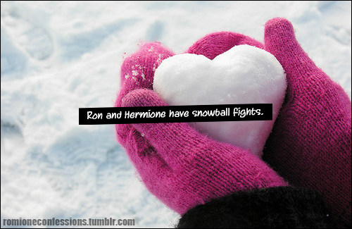romioneconfessions:  Ron and Hermione have snowball fights. - redhairandahamydownrobe