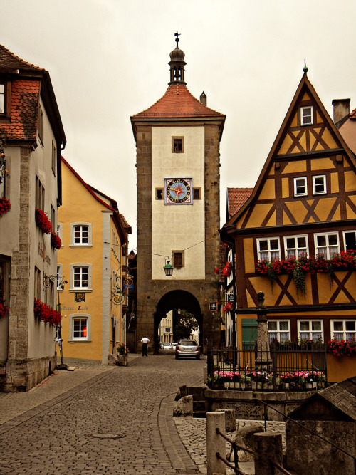 allthingseurope:  Rothenburg, Germany (by mwatanabe93|tumblr)