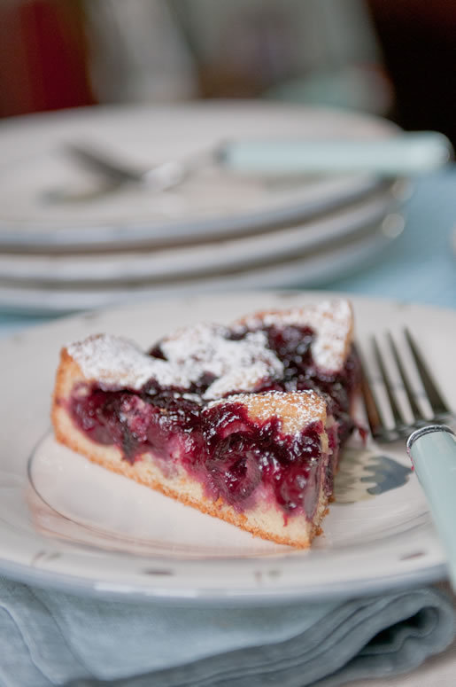 diet-killers:  (со страницы Hungry Rabbit – Brandy Cherry Almond Cake)