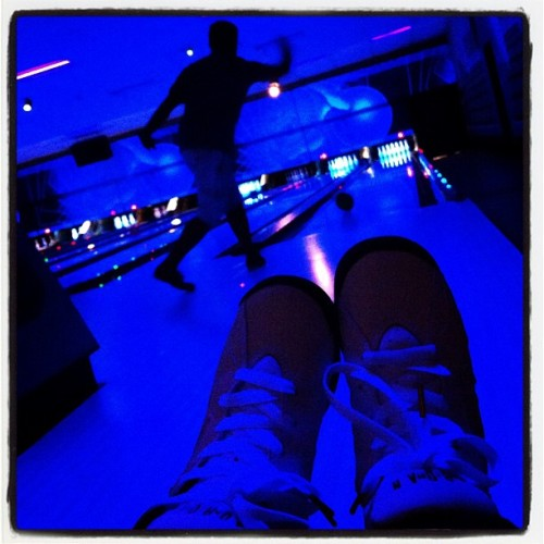 @darkmarc #cosmicbowling & my #jordan's. 🙅 (Taken with Instagram at Oak Tree Lanes)
