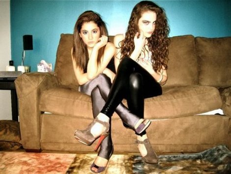 jealousmindssss:  wow they both look so young  ARIANA AND LIZ <333