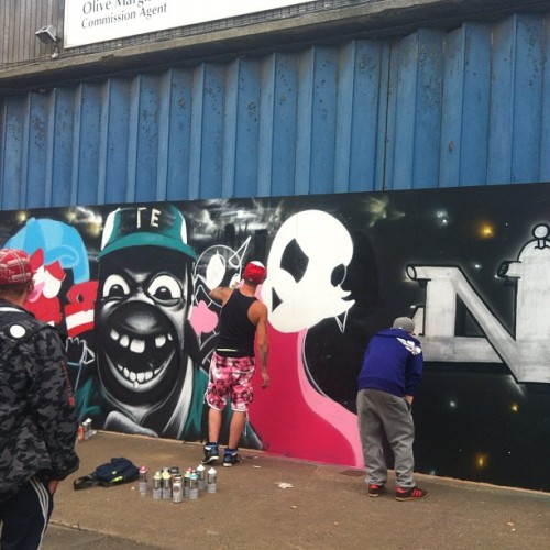 Live graffiti #hull #humberstreetsesh #humberstreet #graffiti #live #art (Taken with Instagram at Humber Dock Street)