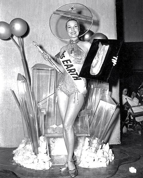 Miss Earth contest, 1952 Thanks to Mark Zingarelli for the photo!