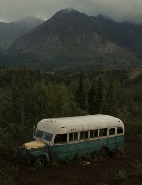 Dat bus that Christopher McCandlass drove into the wilderness of Alaska and run out of fuel. No ADAC there. Tot.