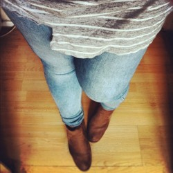 What I'm wearing today 💋 #wiwt (Taken with Instagram) After watching the Olympics all morning, I'm finally making a move to go to my mum's (I say 'my mum's, but that means I'm going to see my mum, das, sister and brother) I haven't been there in a while, so thought I'd spend this Saturday with them. I'm literally rushing because the buzz of the Olympics has taken over me and I feel like I can't be away from my TV today :D My choice of outfit today is casual and comfortable x Top - H&M (It had a hole in it, so I thought I'd attempt to customise it….. by simply ripping and cutting at it because I can't bear to throw it away! I think it looks ok lol) Jeans - Topshop Boots - Topshop