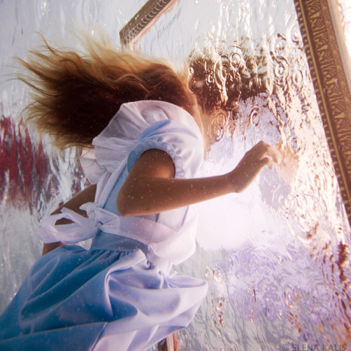 Alice In Waterland: Elena Kalis Takes Stunning Underwater Photos Inspired By 'Alice's Adventures In Wonderland'