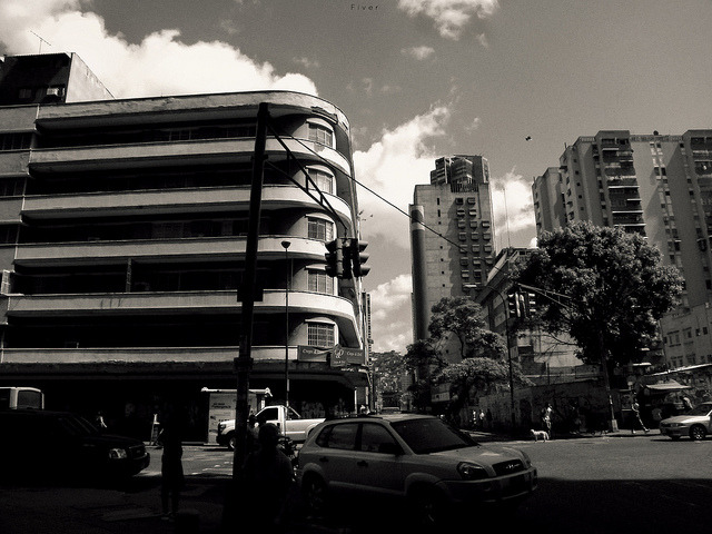 com,bina on Flickr.diversidades Caracas @FiverWeed twitter / flickr / blogger / tumblr