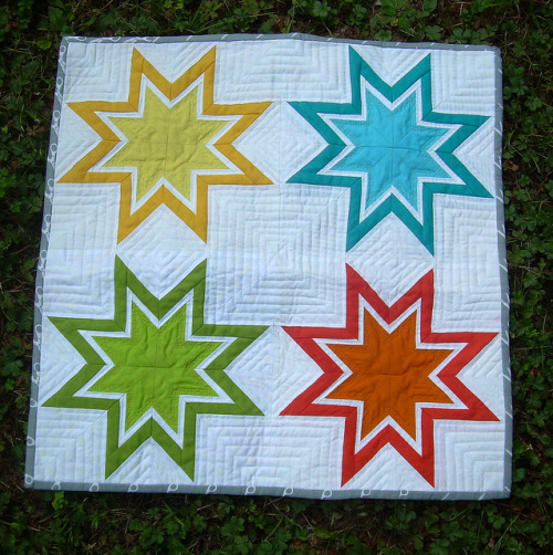 grumpystitches:  QuiltCon Mini by S & J Harrison on Flickr.