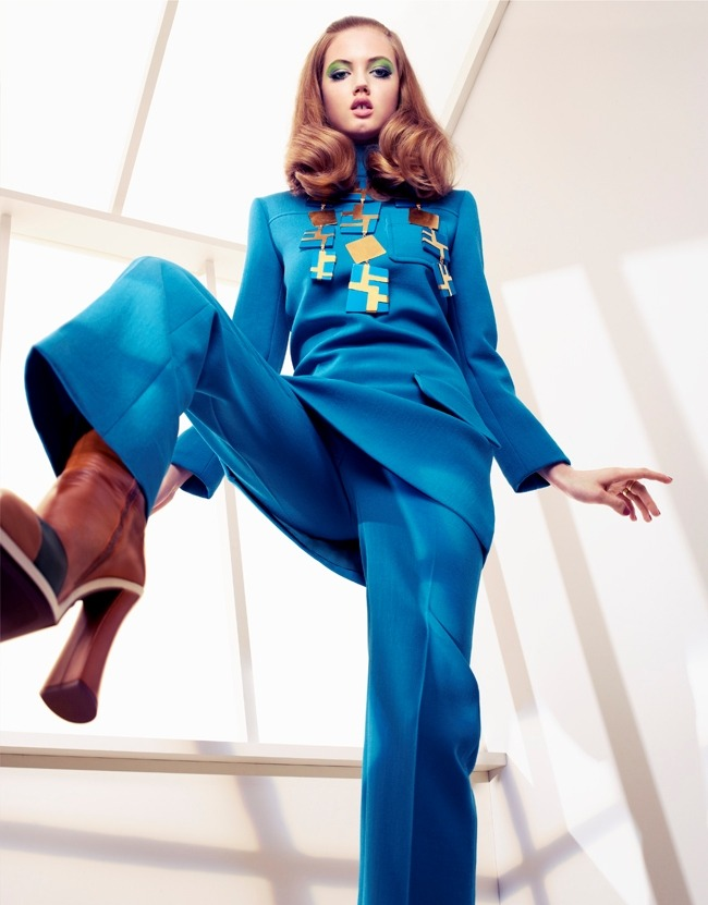 "Lindsey Wixson in ""Working On Her Colors"" Photographed By Sharif Hamza & Styled By Giovanna Battaglia For Vogue Japan, August 2012"