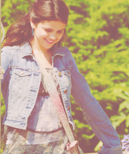 19/∞ Favorite photos of Selena Gomez.