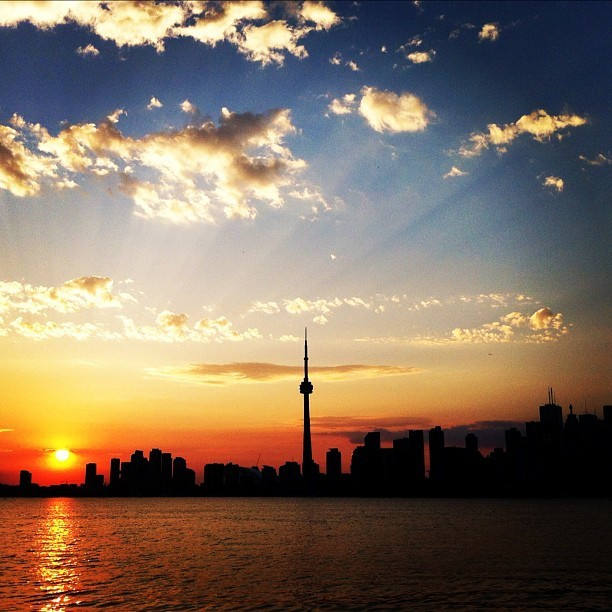 #toronto #cntower #sunset (Taken with Instagram)