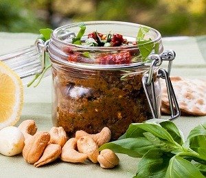 findvegan:  Switch up regular pesto with this sun-dried tomato pesto instead!