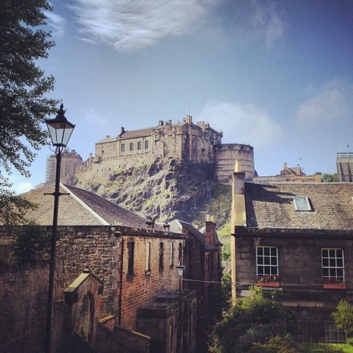 bryoz:  #Edinburgh #Castle (Taken with Instagram)