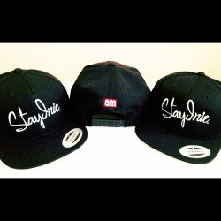 Extremely Limited Stay Irie Black Snapbacks! Now available online..  www.8mib.com #8mib #StayIrie #IslandStateofMind #Hawaii #Flexfit #Yupoong #Snapbacks #Selahintl #Islanders #Pakalolo #MauiWowie (Taken with Instagram)